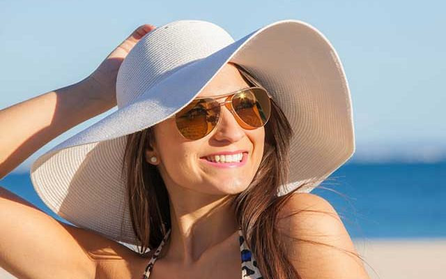Top 8 Women's Floppy Hats 2017